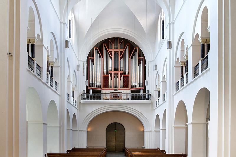 orgel gesamt aus der distanz 800x533